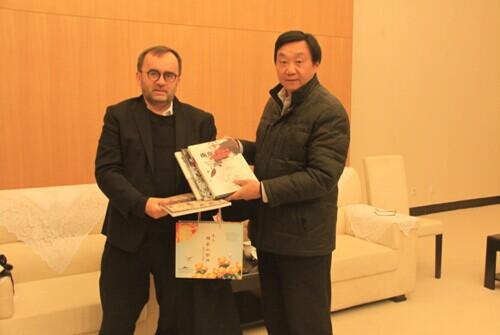 法国犹太人屠杀纪念机构负责人到访南京大屠杀纪念馆